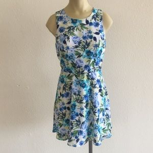 Forever 21 Floral Dress size Small!